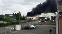 Artois Métaux en proie aux flammes à Saint-Laurent-Blangy