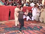 "Pakistani Boy Dance on Ragini MMS 2 ""Sunny Leone"""