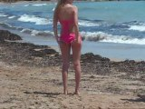 Vidéo La danse de l'été 2015 : Images drôles à la plage sur le tube de l'été ? - Humour
