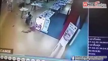 17/02/2015 Thailand Brutal Cold-blooded Shooting Murder Caught On Tape