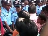 Mohamed Nasheed Anni being arrested by Maldives Police