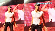 Enrique Iglesias chops his fingers by drone during concert