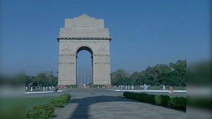 Travel-India-s01-e10