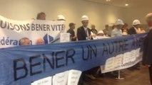 Les partisans et les opposants au projet de Béner manifestent au conseil
