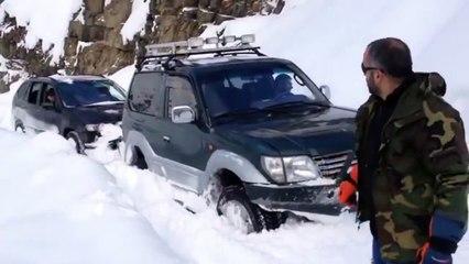 BMW X5, Toyota Land Cruiser Prado and Land Rover Discovery Snow Offroad