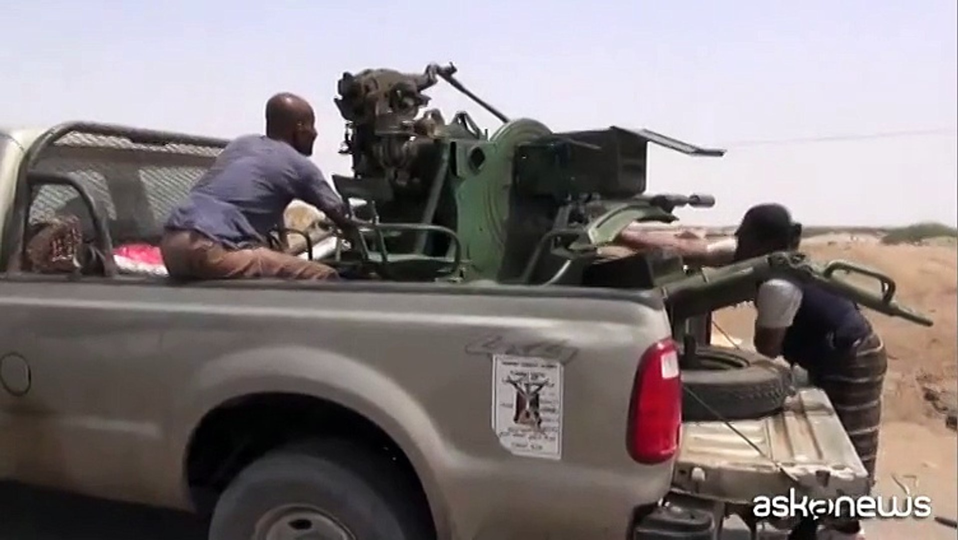 Il video dei combattimenti in Yemen e dei raid della coalizione