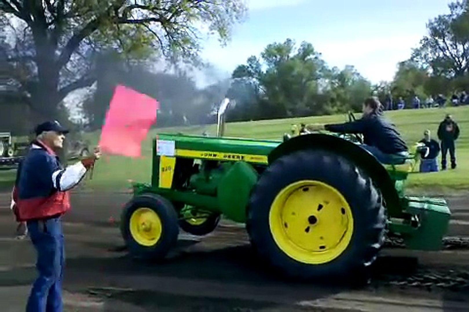 John Deere R tractor pull 10500 class win outpulls 2 820's Enderlin ND 2010