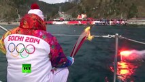La travesía completa de la antorcha olímpica por el fondo del lago más profundo del planeta