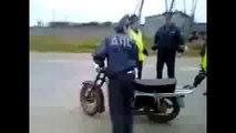 Caterinca Mondiala - Ce pot face cinci politisti si o motoreta 2015