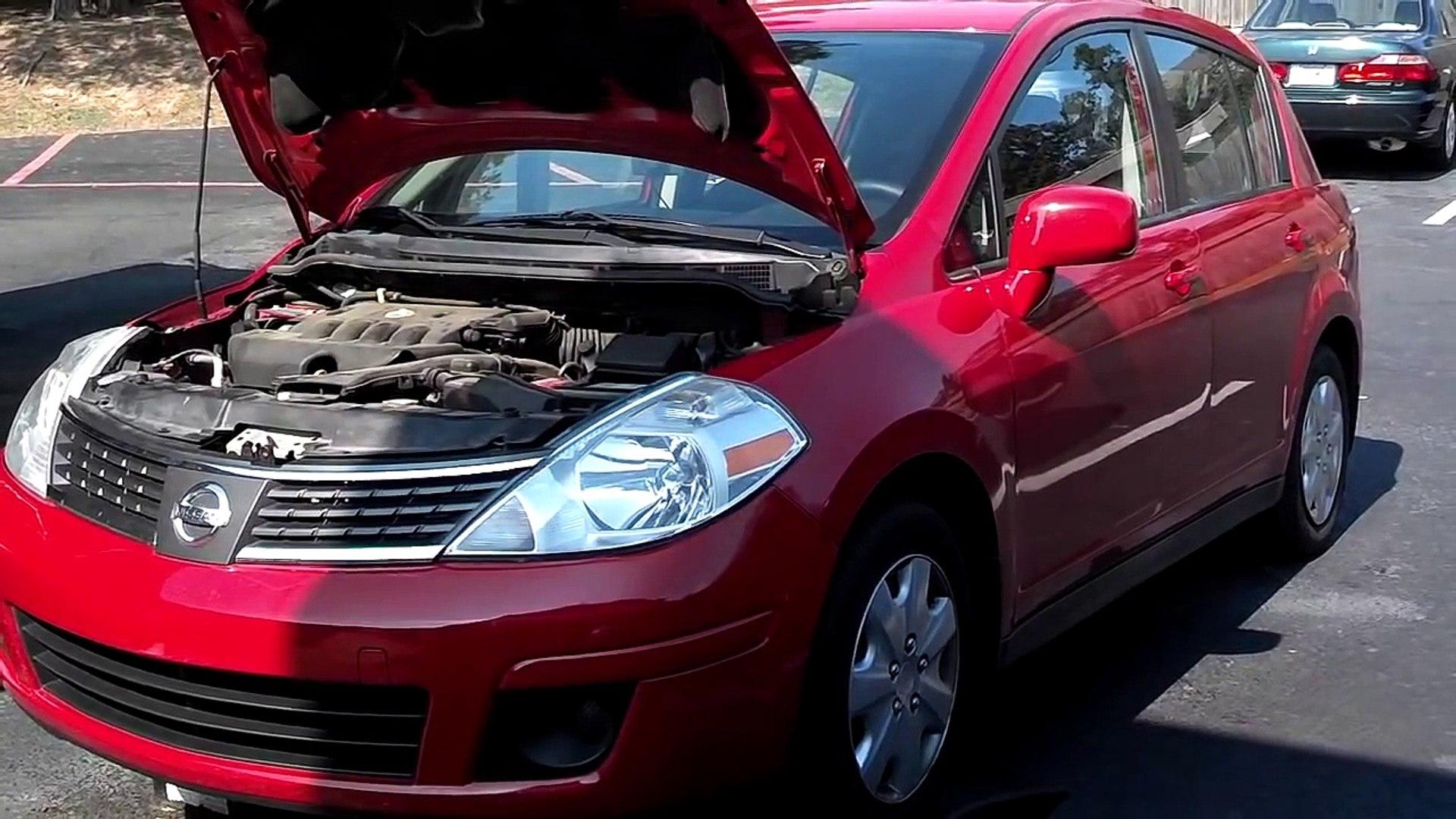 Nissan Versa (Tiida) AC Compressor Replacement - Auto Repair Series