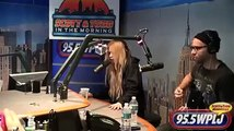 Avril Lavigne  -  Here's To Never Growing Up Live  on Scott and Todd 11/08/2013