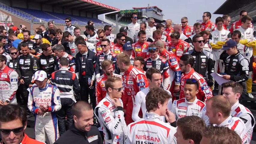 24 Heures du Mans 2015 - La photo de classe des pilotes se met en place !
