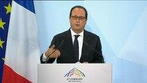 """Dette grecque : """"Je pense que c'est l'intérêt de la Grèce d'aller plus vite"""", estime Hollande"""