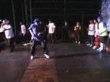 regis fait du break dance mdr