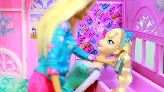 AllToyCollector Frozen Elsa NEW POWERS Barbie Prank Rainbow Hair Makeover Frozen Parody