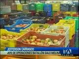 Dos camiones con frutas fueorn detenidos por las autoridades