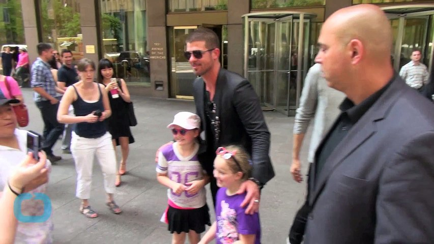 Robin Thicke and New Girlfriend Enjoy Spa Day