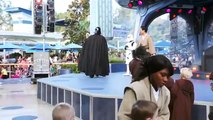 Disneyland Show-Starwars Jedi training with Darth Vader, Light saber battle with Darth Vador HD