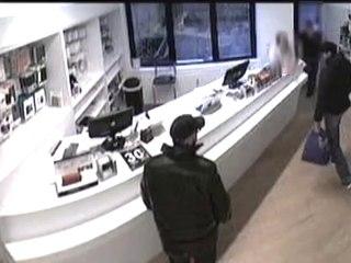 c44e8649a4fd Vol à main armée dans un magasin en Belgique sur Orange Vidéos