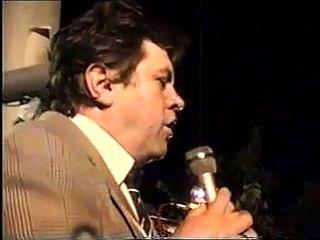 Hristos a Inviat cu Ioan Alexandru in Piata Universitatii - aprilie, 1990