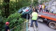 Accident de voiture spectaculaire dans le ravin à Lods (Doubs)