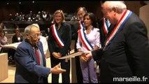 Remise des décrets de naturalisation à une centaine de nouveaux citoyens français