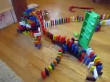 Drew-Tube: Domino Rally with wooden dominos