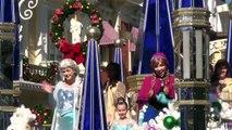 FROZEN Christmas Celebration LIVE PARADE TAPING with Elsa, Anna, Olaf & Kristoff - Walt Disney World