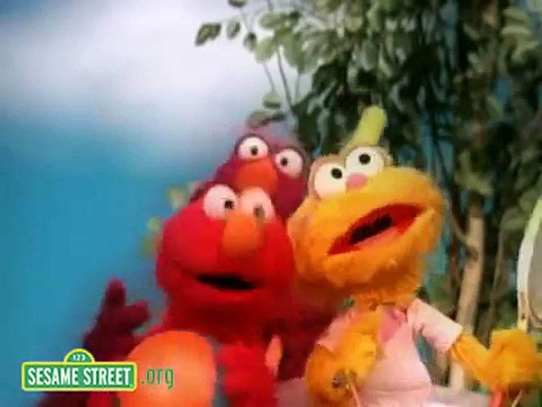 Sesame Street Andrea Bocelli's Lullabye To Elmo // Andrea Bocelli ayuda a dormir a Elmo