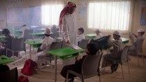 بين السعادة والشقاء لحظة عطاء - الحقيبة المدرسية