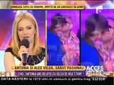 Alex Velea şi Antonia, surprinşi sărutându-se
