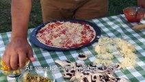 Envie d'une pizza en été mais votre four est en panne ? Voici une solution dingue mais efficace !