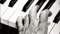 Keith Jarrett plays REAL stride piano!
