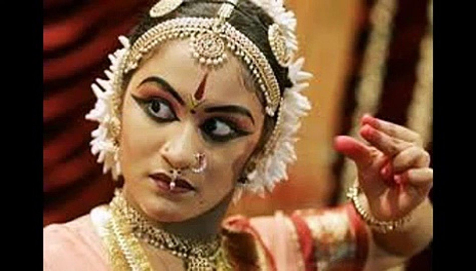 Make Up Halloween Simple Hijab.Bharatanatyam Face Makeup
