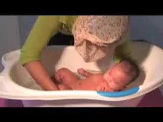 Tabloid nakita - Video Tutorial - Memandikan Bayi
