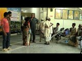 Patients lined up for artificial limbs fitting, Jaipur