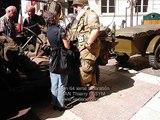 64 ieme Liberation d'Avignon par des jeeps devant la mairie
