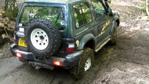 4x4 trial mitsubishi pajero, defender et range rover dans bourbier à Forest Hill - extreme off road