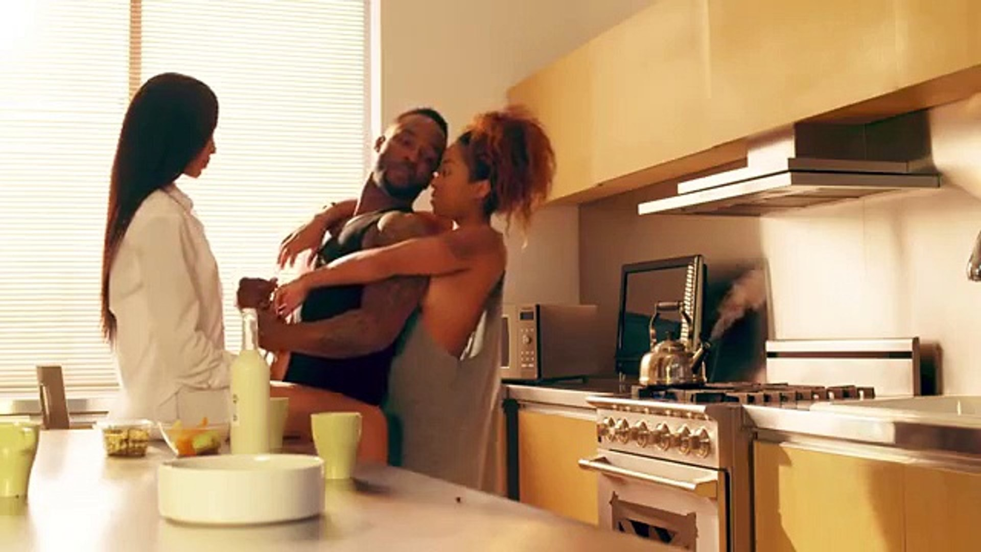 Nigerian Music Videos  Iyanya - Mr Oreo [Official Video]