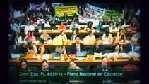 Jean Wyllys é vaiado e desmoralizado na Câmara dos Deputados