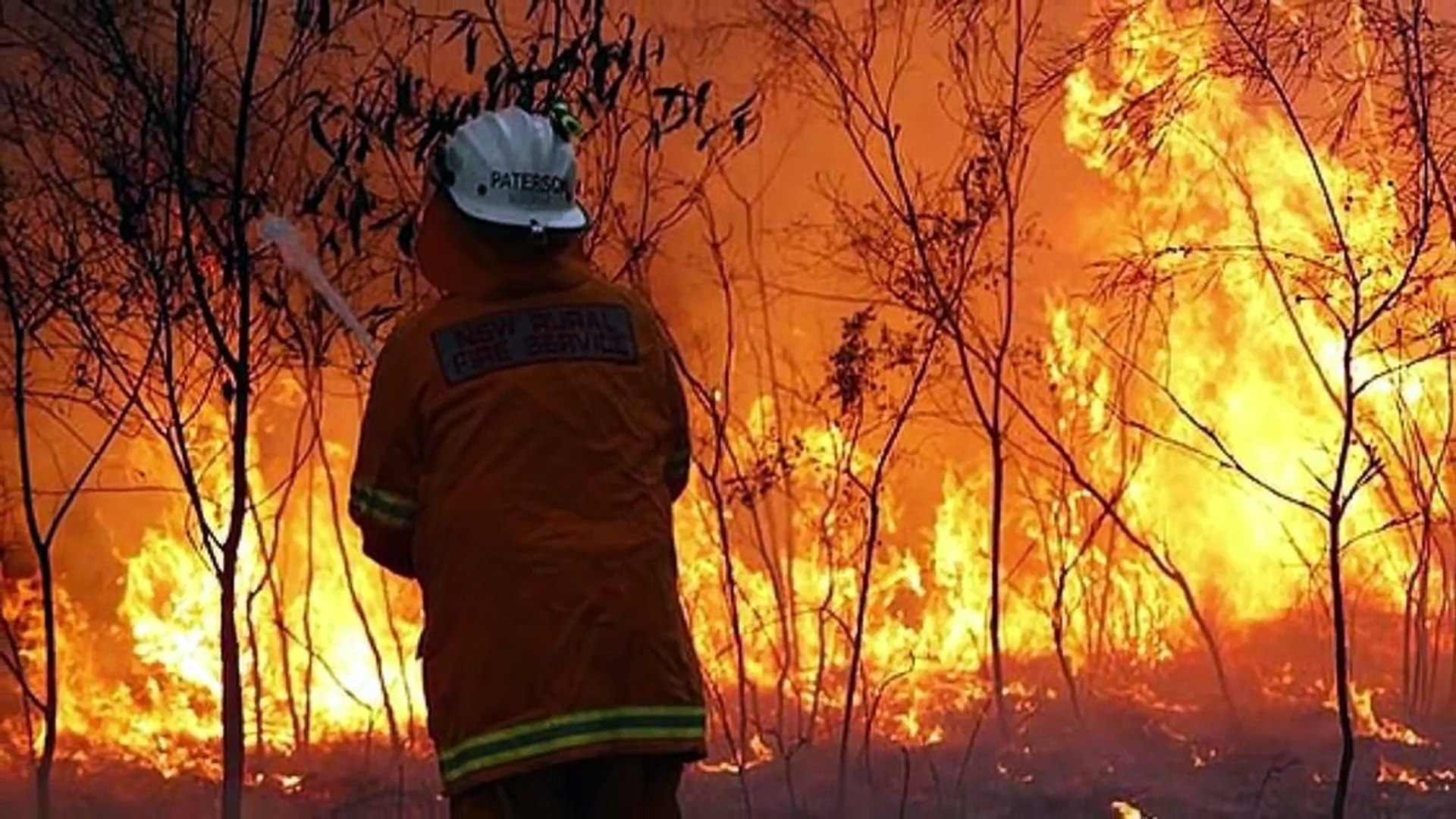 AUSTRALIA! BLOOD SEA now, 'Armageddon' FIRES, Red DUST STORM, Narelle CYCLONE Record HEAT!