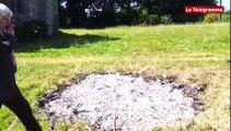 Lanrivain (22). Lieux Mouvants : deux oeuvres entièrement brulées à la Chapelle Saint-Antoine