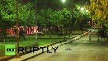 Grèce : des heurts violents éclatent entre la police anti émeutes et des anarchistes à Ath