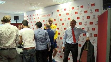 Wenger corteja a Cech