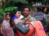Making of Star Plus Tv Serial 'Yeh Hai Mohabbatein' (Episode Raman Hold Ishita in His Arms)