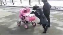 Şirin bebek bakıcısı