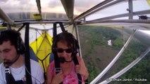 Insolite: un chat perché dans les ailes d'un ULM en vol