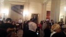 Quand les invités Musulmans de Barack Obama, font l'appel à la prière dans la Maison Blanche