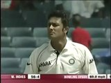 Anil Kumble UNPLAYABLE deliveries to Dwayne Bravo-3FrvzmKr2Rs