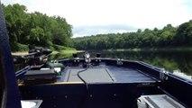Stingray 230 SX boat on the Delaware River 502 MPI - video